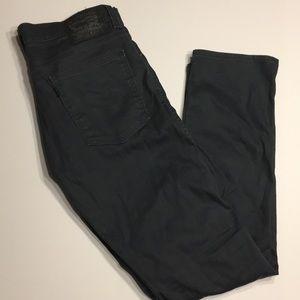 Blue denim Levi Jeans